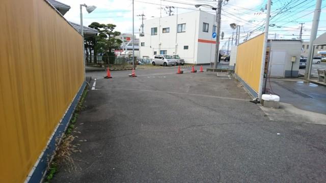 徳島 手洗い洗車場 拭き上げスペース